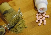 Kratom and opiates