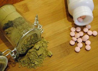 Kratom and opiates